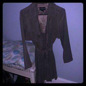 Three quarter trench coat